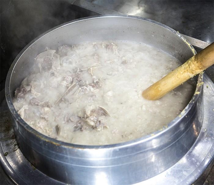 天然素材にこだわり、時間と手間をかけてつくるスープ